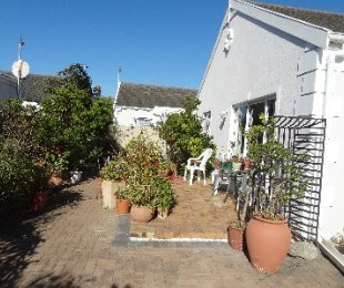 R 1,975,000 - 2 Bed Home For Sale in Sunningdale