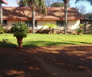 R 5,500,000 - 8 Bed Home For Sale in Lynnwood