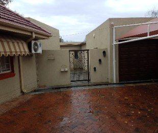 R 5,210,000 - 4 Bed Commercial Property For Sale in Three Rivers