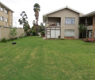 R 745,000 - 2 Bed Flat For Sale in George South