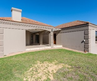 R 4,350,000 - 5 Bed Home For Sale in Wilderness