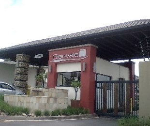 R 1,050,000 - 2 Bed Property For Sale in Glenanda