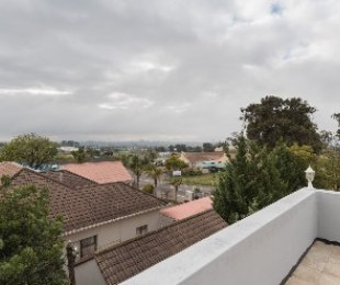 R 1,495,000 - 2 Bed Flat For Sale in Durbanville