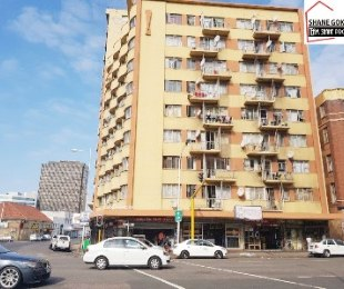 R 260,000 - 1 Bed Flat For Sale in South Beach