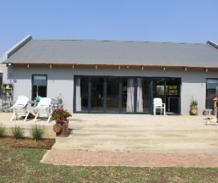 R 1,450,000 - 1 Bed Farm For Sale in Bapsfontein