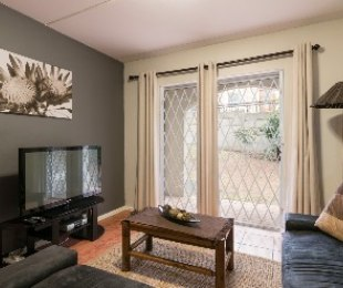 R 959,000 - 2 Bed Flat For Sale in Vredekloof Heights