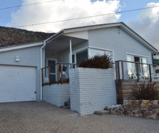 R 2,695,000 - 3 Bed House For Sale in Fish Hoek
