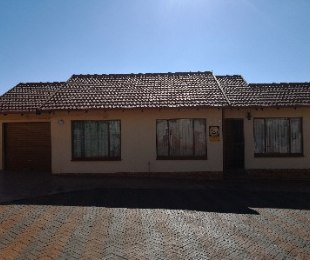 R 645,000 - 2 Bed Property For Sale in Tlhabane