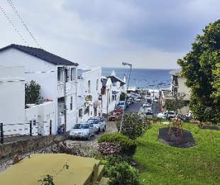R 3,600,000 - 1 Bed Home For Sale in Kalk Bay