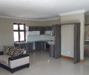 R 2,150,000 - 3 Bed House For Sale in Kensington
