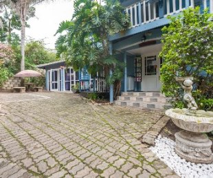 R 3,700,000 - 8 Bed House For Sale in Old Place