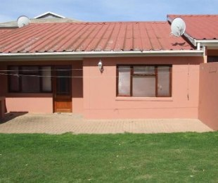R 525,000 - 2 Bed Property For Sale in Heiderand
