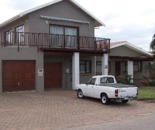 R 2,600,000 - 5 Bed House For Sale in Hartenbos