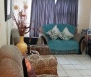 R 450,000 - 2 Bed Flat For Sale in Heiderand