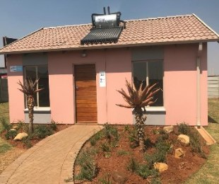 R 499,105 - 2 Bed House For Sale in Alberton