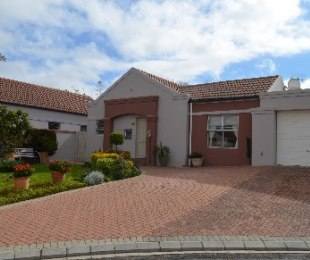 R 1,985,000 - 3 Bed Property For Sale in Kleinbron