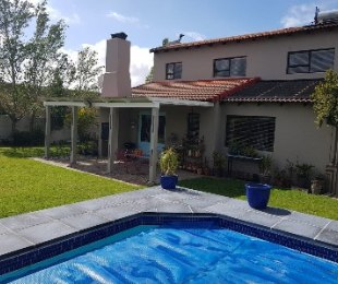 R 2,899,000 - 4 Bed House For Sale in Uitzicht