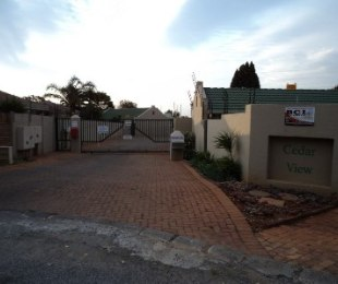 R 6,000 - 2 Bed Property To Rent in Little Falls