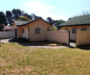 R 550,000 - 3 Bed House For Sale in Bedelia