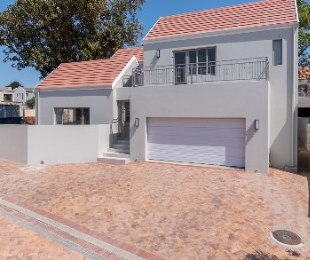 R 5,700,000 - 4 Bed Home For Sale in Vierlanden