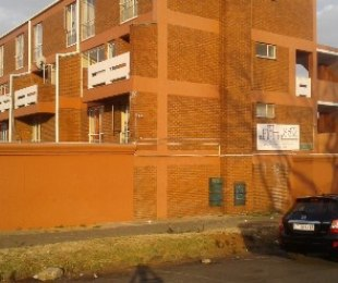 R 449,000 - 2 Bed Property For Sale in Jeppestown