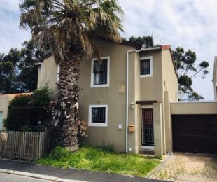 R 1,595,000 - 2 Bed Property For Sale in Kenilworth