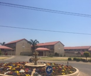 R 899,000 - 2 Bed Flat For Sale in Edenglen