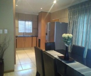 R 6,500 - 2 Bed Apartment To Rent in Honeydew