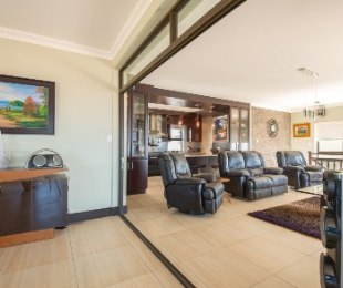 R 1,695,000 - 3 Bed Property For Sale in Beacon Bay