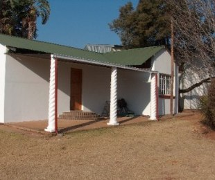 R 5,500 - 2 Bed Farm To Rent in Muldersdrift