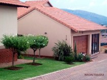 R 1,700,000 - 2 Bedroom, 2 Bathroom  House For Sale in Xanadu, Hartbeespoort