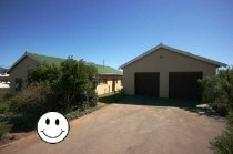 R 895,000 - 2 Bedroom, 2 Bathroom  Home For Sale in Napier, Bredasdorp