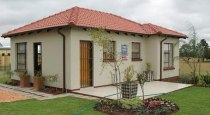 R 425,000 - 2 Bedroom, 2 Bathroom  House For Sale in The Orchards