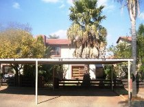 R 895,000 - 3 Bedroom, 2 Bathroom  Property For Sale in Lakefield