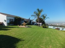R 1,500,000 - 2 Bedroom, 2 Bathroom  Property For Sale in Loevenstein