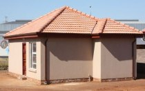 R 485,000 - 2 Bedroom, 1 Bathroom  Home For Sale in Kirkney