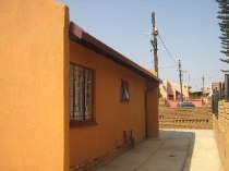 R 350,000 - 2 Bedroom, 1 Bathroom  Home For Sale in Mabopane