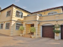 R 2,550,000 - 5 Bedroom, 4 Bathroom  Property For Sale in Moreleta Park