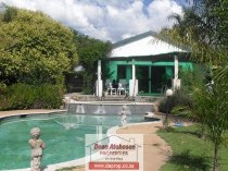 R 1,100,000 - 3 Bedroom, 2 Bathroom  House For Sale in Lombardy East
