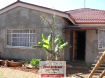 R 1,300,000 - 3 Bedroom, 2 Bathroom  House For Sale in Primrose Hill