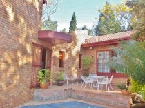 R 1,900,000 - 4 Bedroom, 2 Bathroom  Property For Sale in Moreleta Park