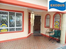 R 889,000 - 3 Bedroom, 2 Bathroom  House For Sale in Newlands