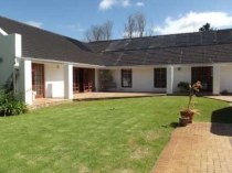 R 3,550,000 - 4 Bedroom, 3 Bathroom  House For Sale in Durbanville