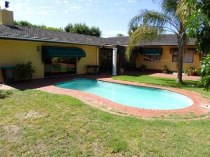 R 2,100,000 - 4 Bedroom, 2 Bathroom  Property For Sale in Amanda Glen