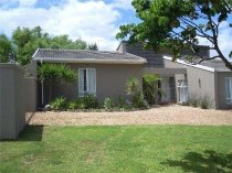 R 1,830,000 - 3 Bedroom, 2 Bathroom  House For Sale in De Bron