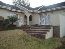 R 1,780,000 - 4 Bedroom, 2 Bathroom  House For Sale in Helderkruin