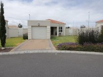 R 1,250,000 - 3 Bedroom, 2 Bathroom  Property For Sale in Melkbosstrand