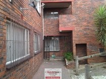 R 360,000 - 2 Bedroom, 1 Bathroom  Flat For Sale in Turffontein