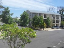 R 750,000 - 1 Bedroom, 1 Bathroom  Apartment For Sale in Rondebosch
