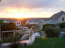 R 4,095,000 - 4 Bedroom, 3 Bathroom  House For Sale in Noordhoek